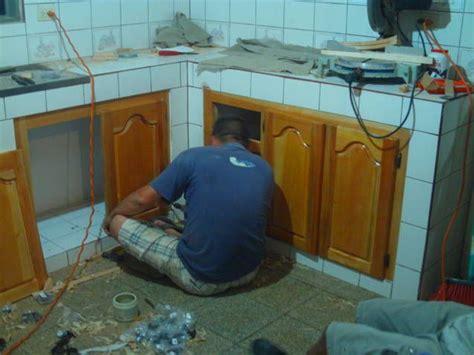 puertas de madera en cocina de concreto en  cocinas rusticas cocinas  muebles de cocina