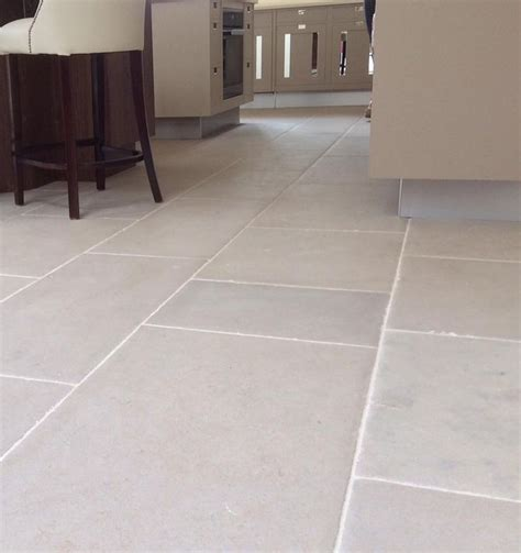 sandstone kitchen floor tiles 23 best images about kitchen flagstones and floor tiles on 5069