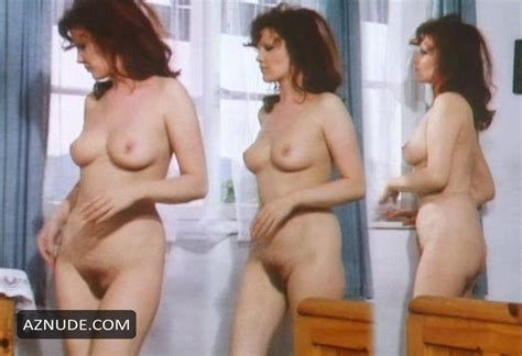 Bourgine nackt elizabeth Lucy Lawless