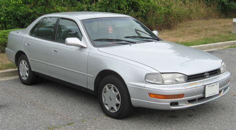 toyota american models file 1992 1994 toyota camry sedan jpg wikimedia commons