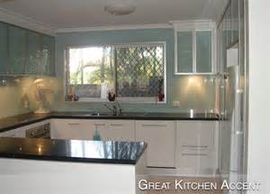 glass backsplash in kitchen glass kitchen backsplash 888 619 2226 glass backsplashes backpainted glass
