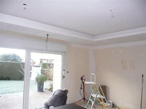 voilage cuisine moderne faux plafond et coffrage de volets roulants
