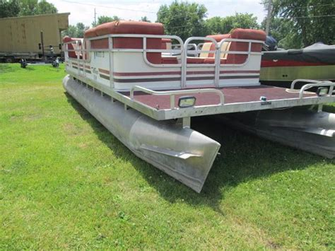 Boats For Sale In Iowa by Used Pontoon Boats For Sale In Iowa Boats