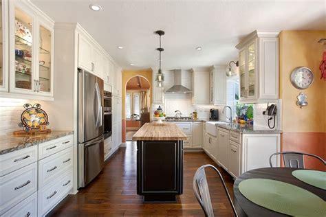 deco salon cuisine ouverte cuisine idee deco cuisine ouverte sur salon avec clair