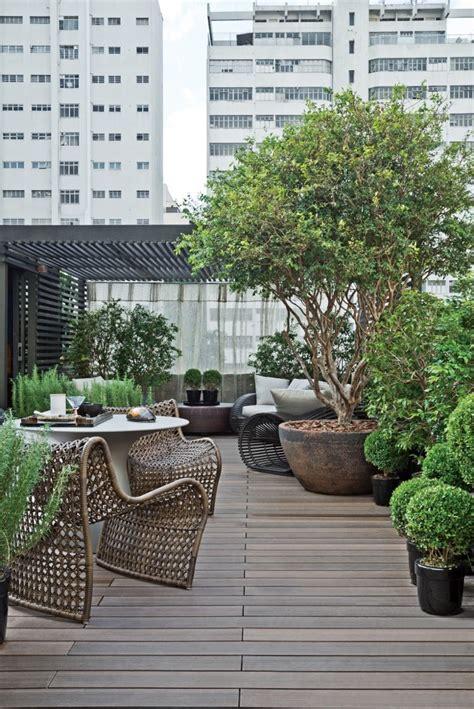 arbre en pot exterieur grand cache pot ext 233 rieur en tant que d 233 coration terrasse moderne