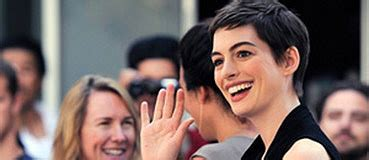 Anne Hathaway Reveals Oatmeal Paste Diet