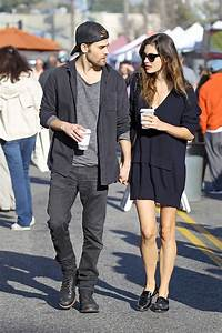 Paul Wesley & Phoebe Tonkin Dating Again: Spotted Holding ...