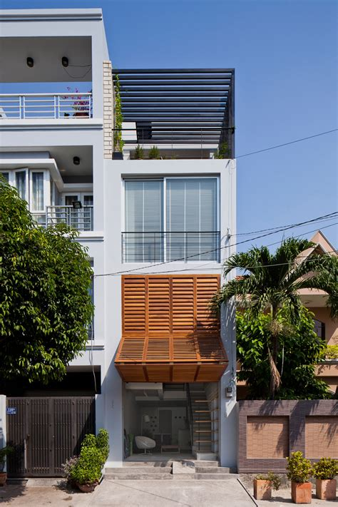 narrow townhouse  vietnam  mm architects