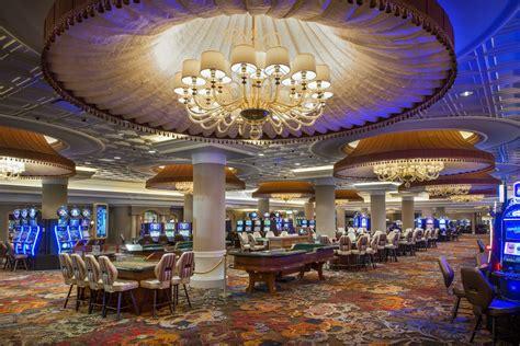 turning stone casino gaming floor