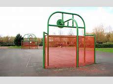 Basketball court, Belfast © Albert Bridge ccbysa20