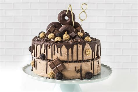 torte für geburtstag torte zum 18 geburtstag mit donuts