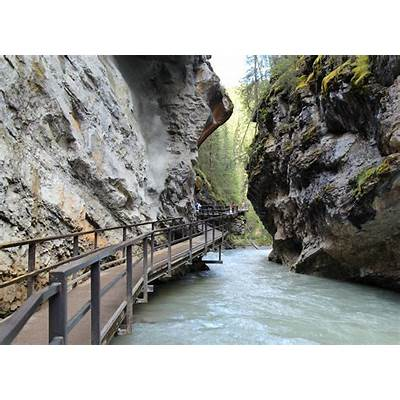Johnston Canyon Banff National ParkLens: Canon EF 24mm