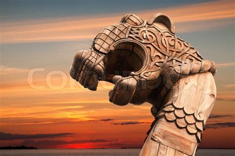 carved wooden dragon   bow  viking ship