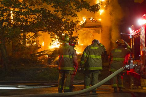 detroit fire commissioner protects whistleblower
