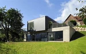 la maison s39integre parfaitement au terrain en pente douce With entree de maison design 8 maison contemporaine avec piscine interieure apla