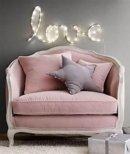 Canapé Rose Pale : d co salon couleur rose poudr canap baroque en velours rose p le ~ Teatrodelosmanantiales.com Idées de Décoration