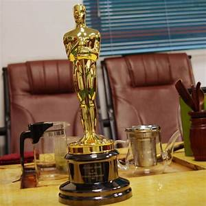 Replica Oscar Trophy Award Metal Scale 1 1 13 5inches Music Tv Movie Souvenirs Free Engraving
