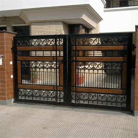 Iron Gate at Rs 1200 /sqrft