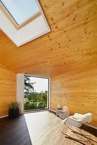 Falttüren Aus Holz : kleines holzhaus mit walmdach moderne einfamilienh user ~ Frokenaadalensverden.com Haus und Dekorationen
