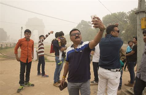 Smog Selfies Capture New Delhi's Deadly Air Pollution