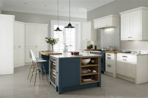 shaker kitchen  midnight  white wren kitchens