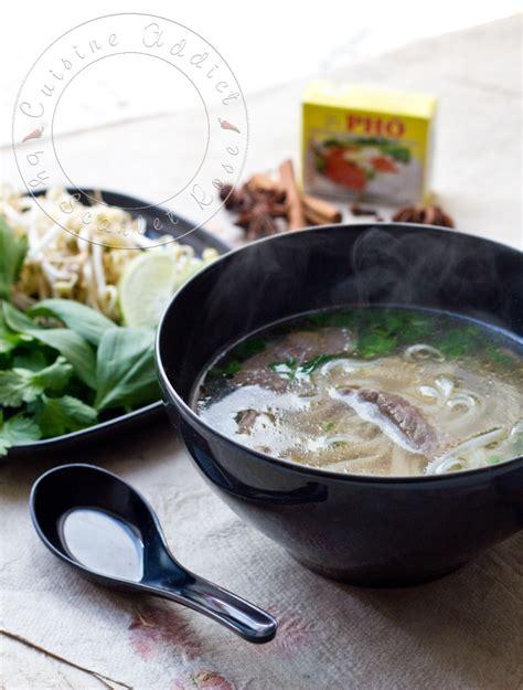 cuisine vietnamienne pho phô bô soupe vietnamienne au boeuf et nouilles de riz