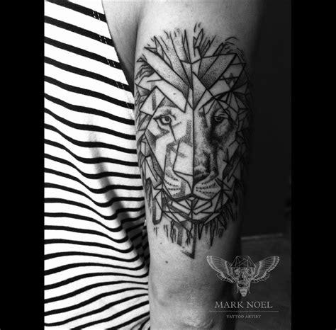 tatouage lion tout ce quil faut savoir tattoome le
