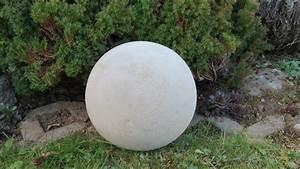 Betonformen Selber Machen : deko f r garten selber machen kugel ca 250 mm aus beton bolas esferas po s e ovos ~ Markanthonyermac.com Haus und Dekorationen