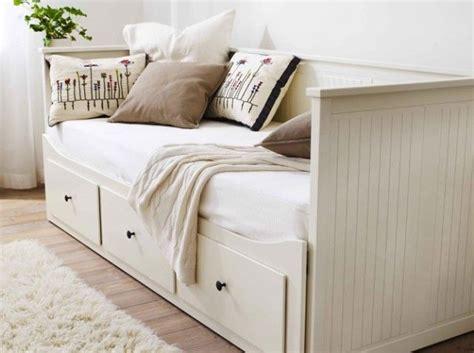prix canapé lit ikea les 25 meilleures idées de la catégorie canapé lit ikea