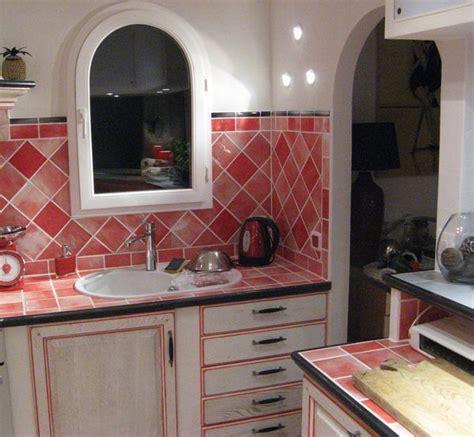 cuisine moderne blanche et faïence salle de bains carrelage cuisine artisanat