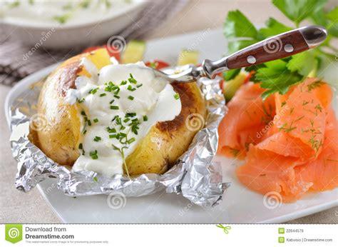pommes de terre robe de chambre pellkartoffel lizenzfreie stockbilder bild 22644579