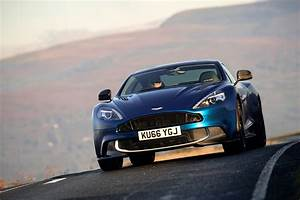 Aston Martin Vanquish S : aston martin vanquish s review should you buy one over a db11 evo ~ Medecine-chirurgie-esthetiques.com Avis de Voitures
