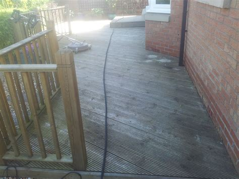 Cleaning Decking With Uk by Decking Cleaning Glasgow Eco Driveway Cleaning