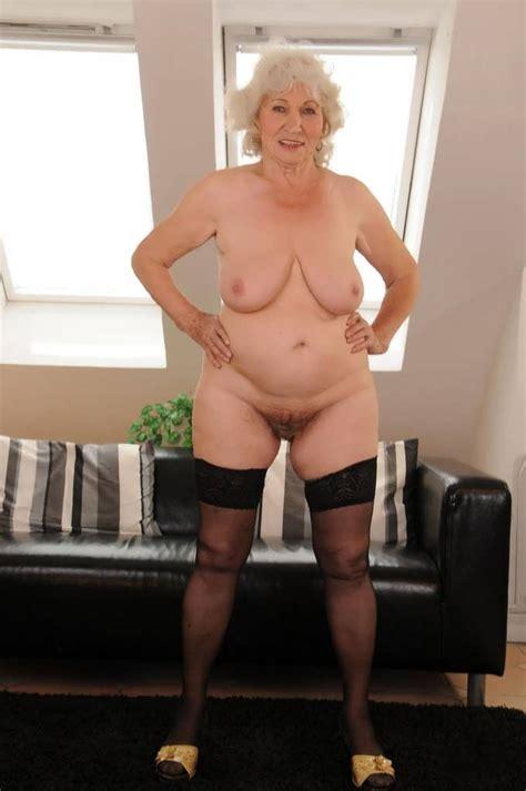 Brunette Older Naked Carnalio Com