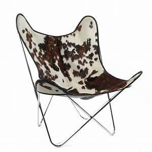 17 meilleures idees a propos de chaise en peau de vache With tapis peau de vache avec canapé droit convertible scandinave