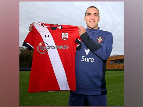Oriol Romeu signs new 2.5-year contract with Southampton FC