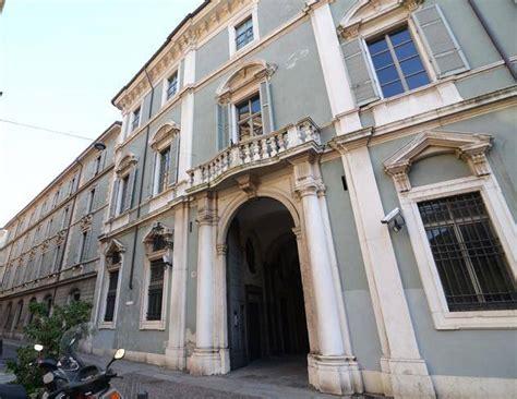 Porte Di Catania 26 Dicembre by Touring Club Apre Le Porte Dell Ex Tribunale Guide Per I
