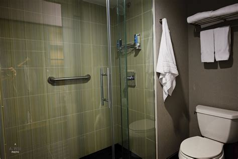 San Francisco Airport Shower - aloft san francisco airport hotel a hotel review quirrow