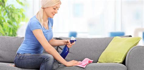 pulizia tappeti bicarbonato pulizie di primavera come rinfrescare tappeti divani