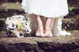 Marissa sean waimea valley dillingham ranch hawaii for Self wedding photography