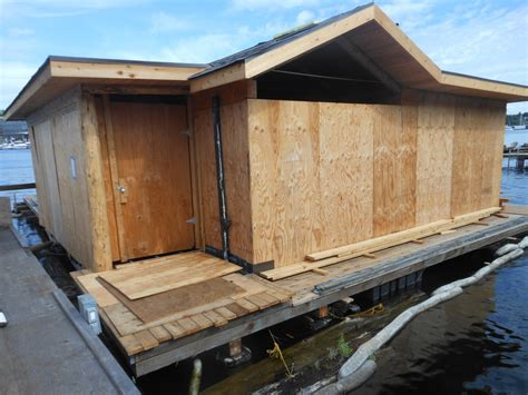 Houseboat Size by Houseboats Are Restricted In Size And Must Abide To A