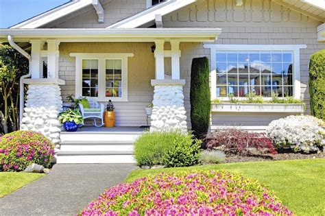Curb Appeal :  Reconsider Landscaping In Front Yard