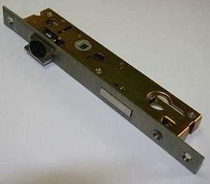 serrures accessoires et piece detachees pour fenetres With porte de garage coulissante jumelé avec serrure bloc porte