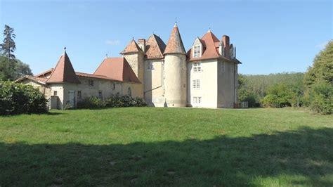 chambres d h es auvergne château à vendre en auvergne entouré de 20 ha de bois