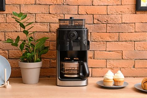 They tend to have a compact size, but that doesn't mean they skimp on the taste of your beverage or on some most of our choices come in somewhat neutral color palettes that include colors like black, white, and silver (though the cuisinart. At The Forefront: The Best 4 Cup Coffee Maker 2020