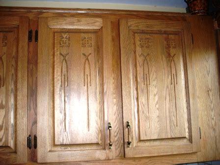 changer porte d armoire de cuisine armoire de cuisine en chêne décapage changer la couleur