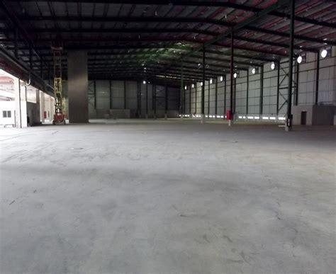 Abrasion materials for concrete