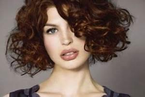 Carré Court Frisé : coiffure carre court degrade frise coiffures coupes ~ Melissatoandfro.com Idées de Décoration