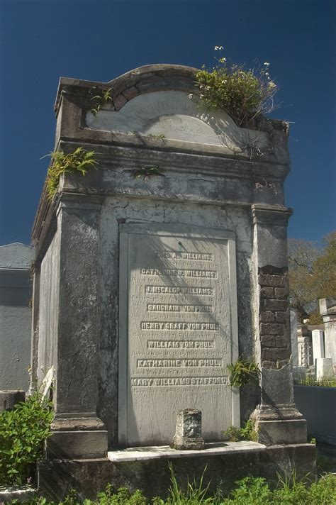 photo    tomb  lafayette cemetery  orleans