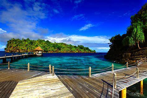 pemandangan raja ampat  papua barat foto alam laut